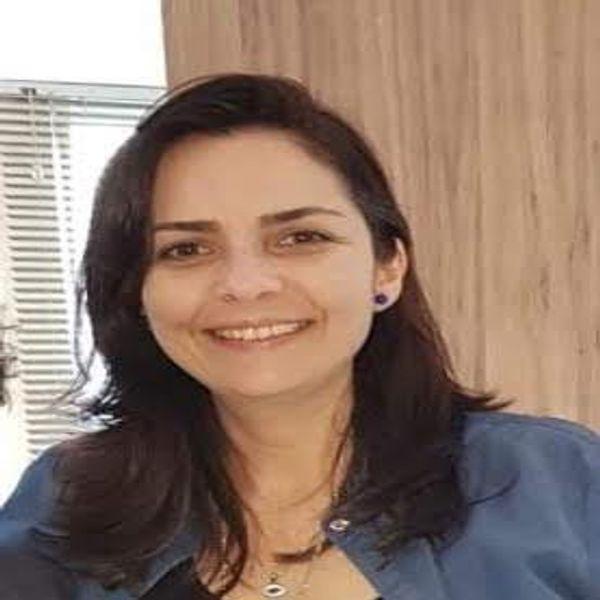 Ana Cláudia Grossi